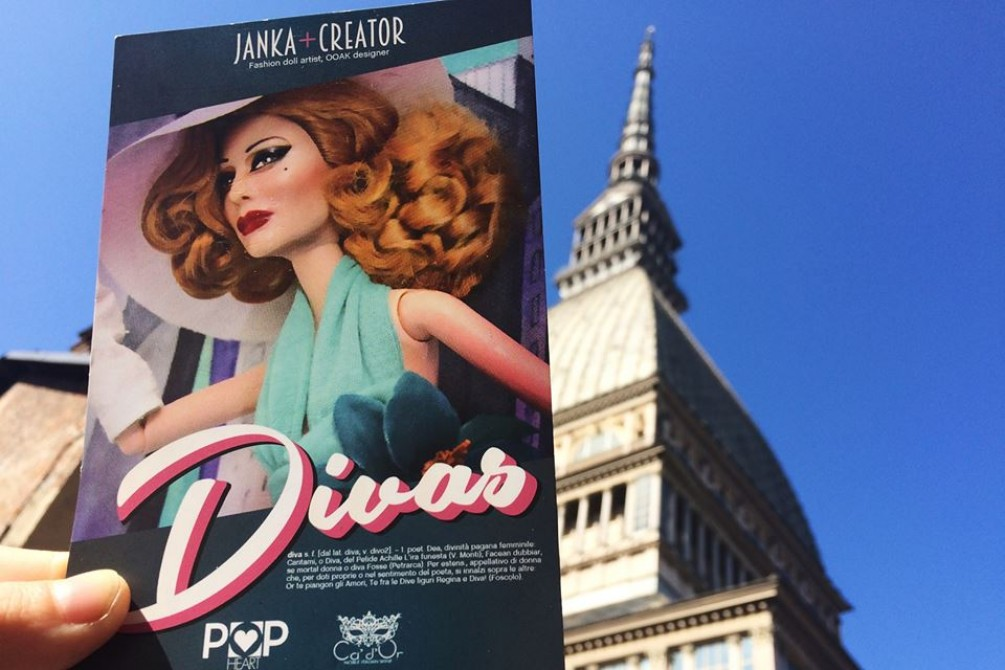 Divas postcard with Mole Antonelliana on the scenery