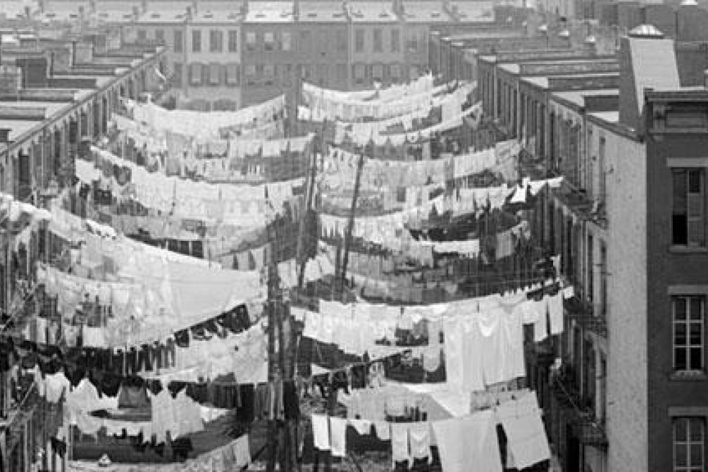 Yard of a tenement New York, c 1900 Credit: Wikimedia Commons